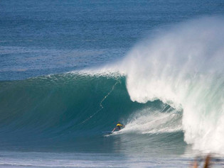 Grant Baker Vence Puerto Escondido Challenge