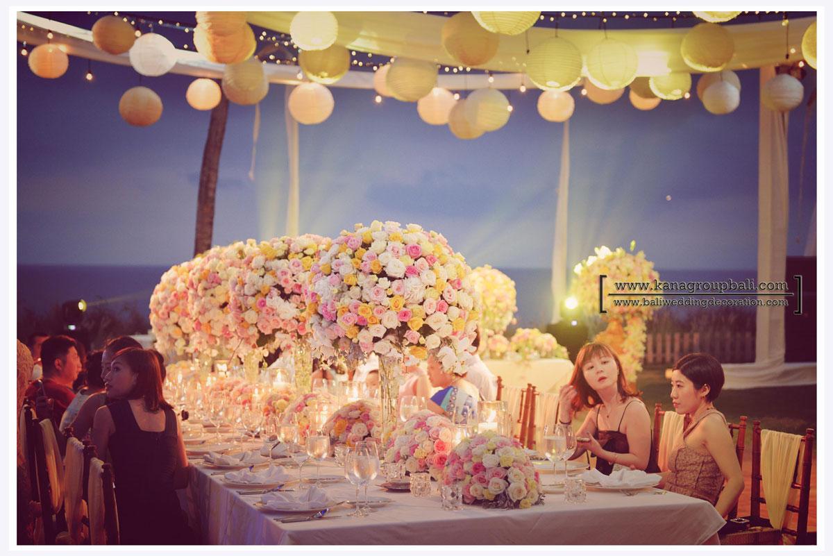 pastel+flower+centerpieces.jpg