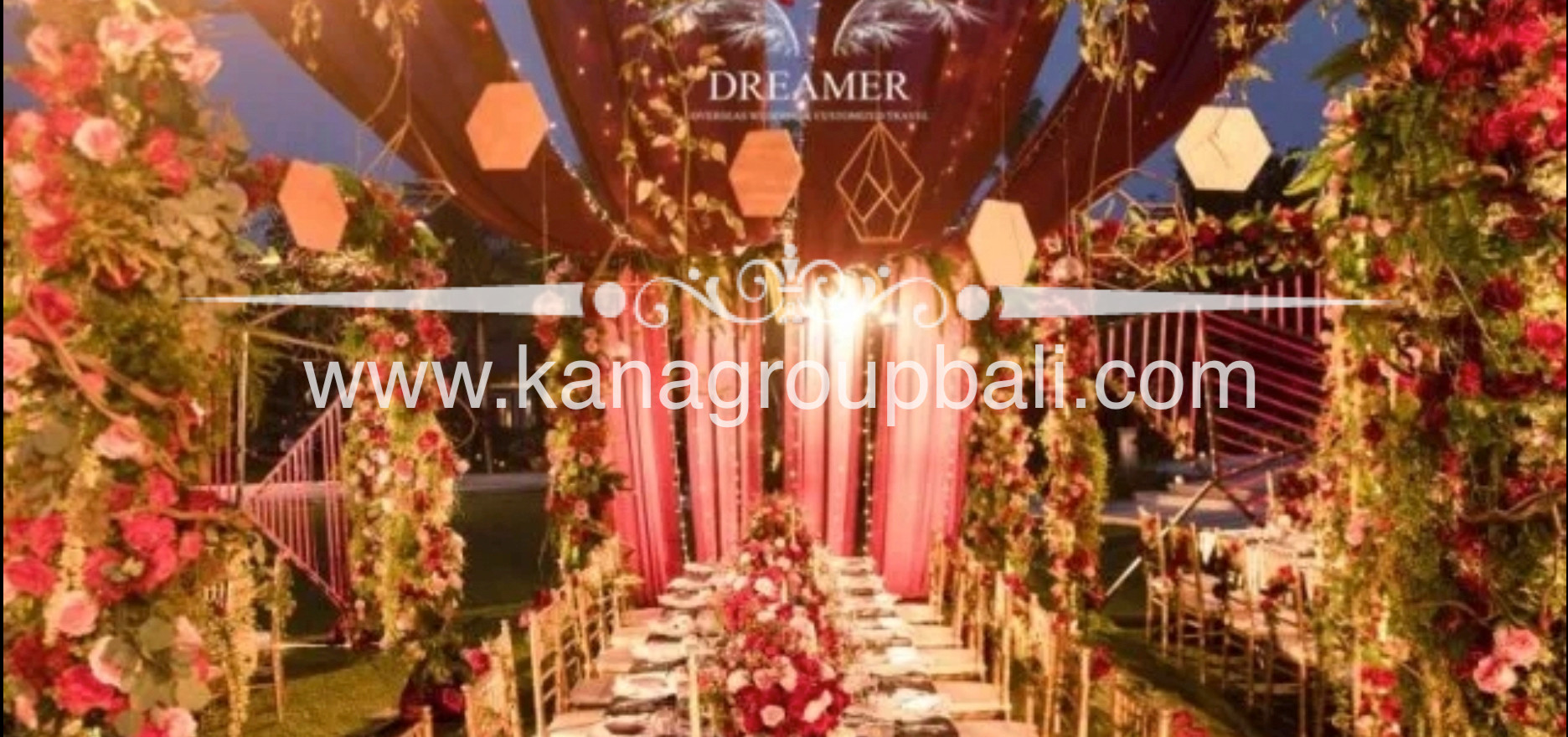 red gold color theme wedding.jpg