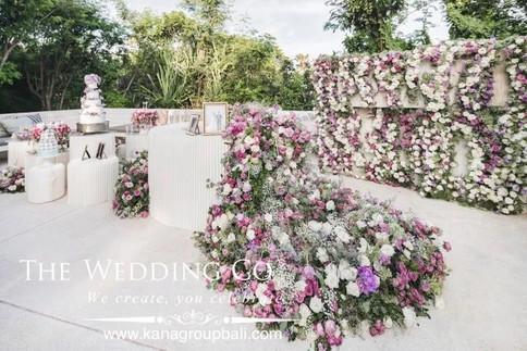 bride hand bouquet bali
