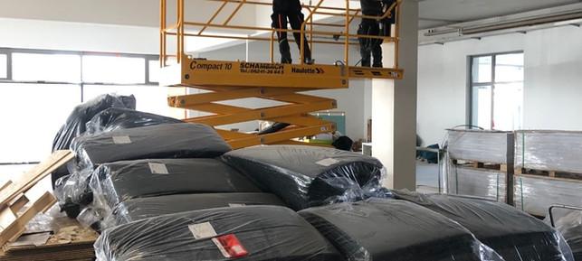 April 2021: Letzte Deckenarbeiten werden erledigt. Das Material für den nächsten Schritt liegt schon bereit...