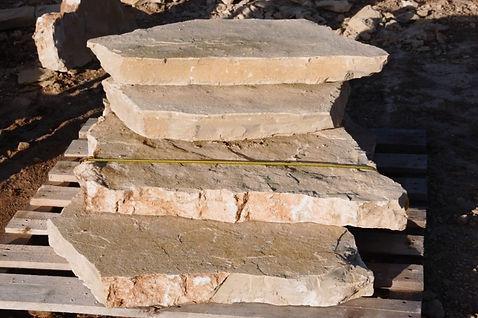 pedra para caminhos no jardim