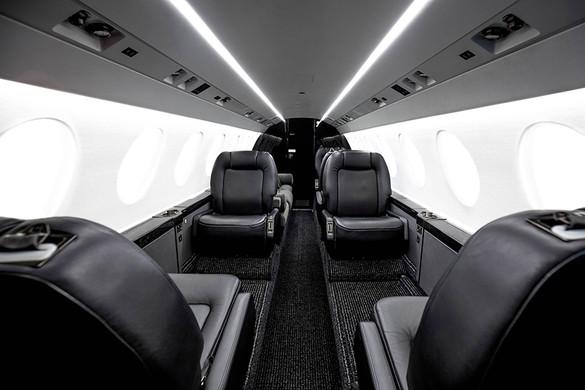 Falcon50X-interior1-DavinciJets - seating