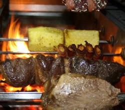Toda a carne no assador