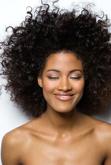 Afrohair, Keratin Haarglättung, Nagelstudio, Haarverlängerun, Extensions