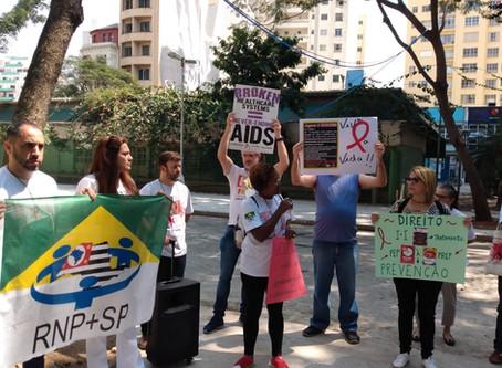 Em protesto, ativistas denunciam que aids deixou de ser prioridade na Saúde do Brasil