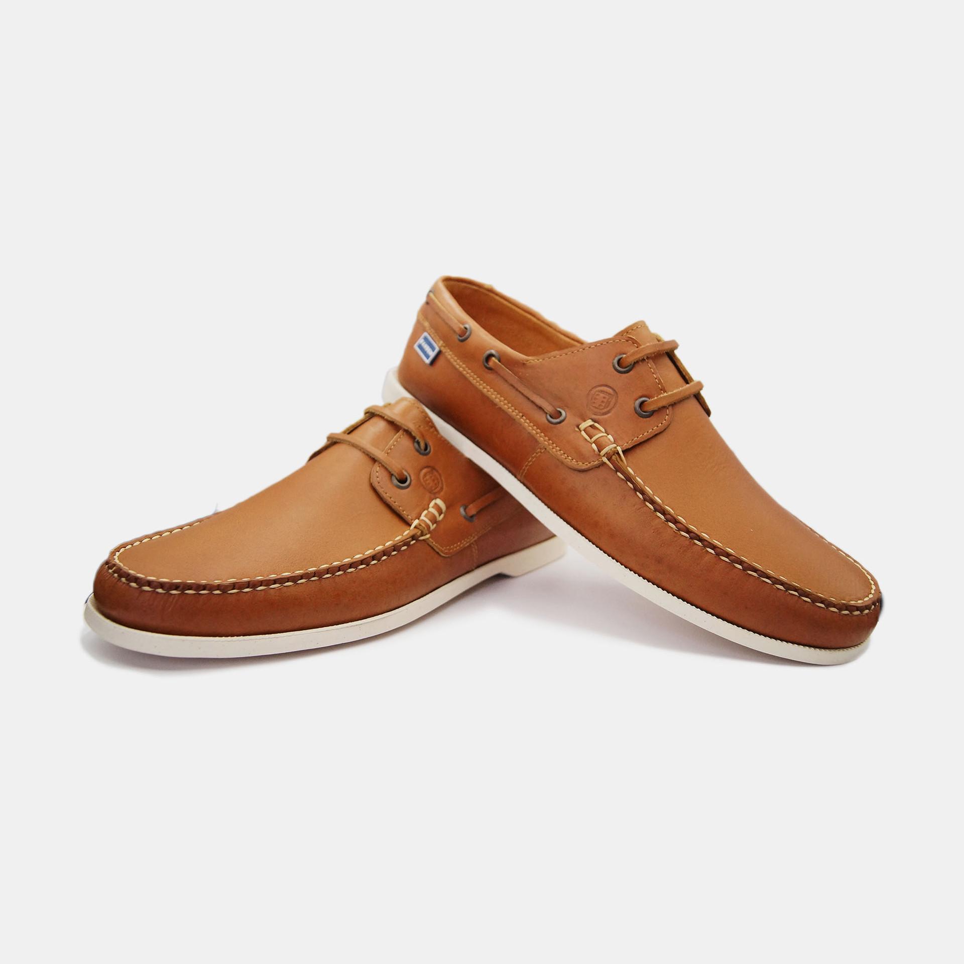 gold boat shoe