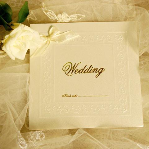 Nên lựa chọn thiệp cưới đơn giản và tinh tế thay vì quá cầu kỳ, tốn kém