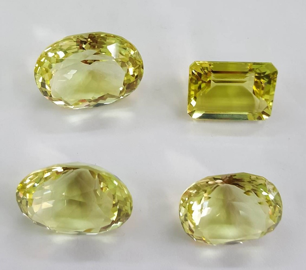 Những viên đá thạch anh vàng chanh trong suốt
