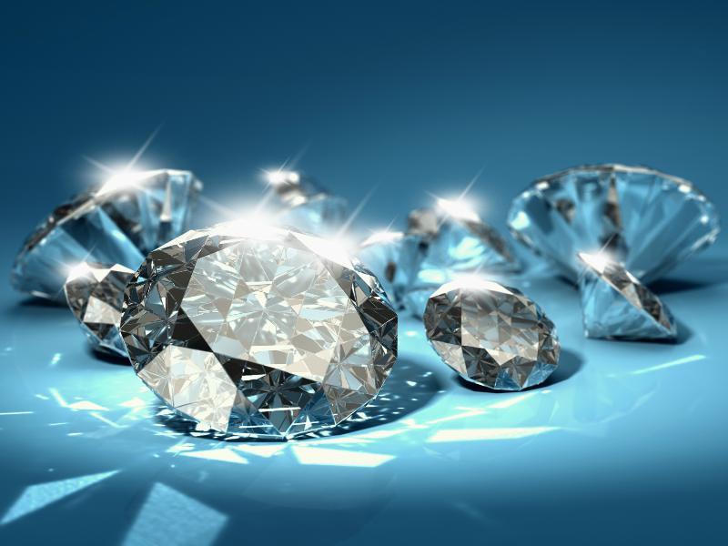 Độ cân đối quyết định đến độ chói, độ phát lửa và độ  lấp lánh của kim cương