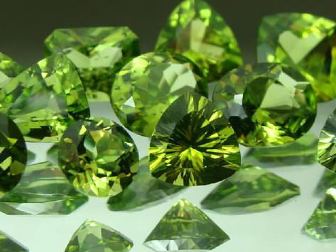 Đá Peridot- Khoáng vật từ lòng sâu trái đất