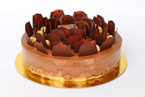 "Royale Cake - 6"" (serves 8)"