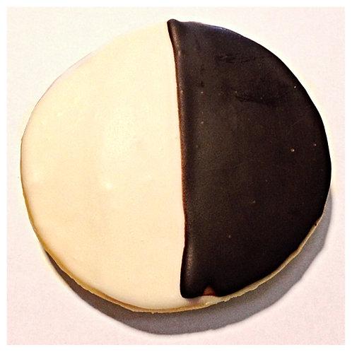 Black & White Cookie 4 oz (113g)