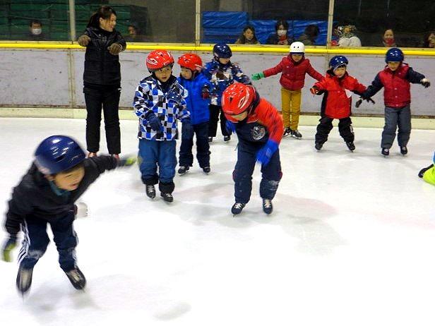 郡山市 片平町 片平学園 片平幼稚園 幼稚園 行事 年長児 スケート 教室 こども体育研究所 講師 男の子 チーム 練習