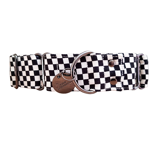 Checkered  black and white martingale collar