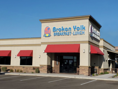 Just Closed: The Broken Yolk Cafe - Yuma, Arizona
