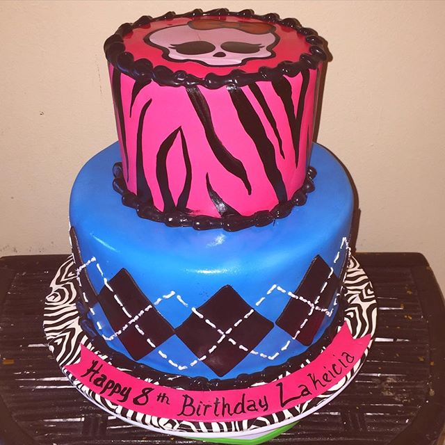 Monster High cake. All Cake All Edible Works of Art. www.specialtysweetc
