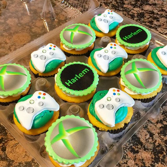 Instagram - Xbox cupcakes. Www.Specialtysweetc