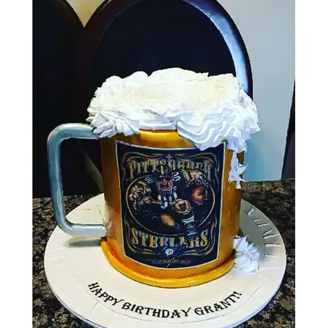 Pittsburgh Steelers beer mug cake. Www.Specialtysweetc