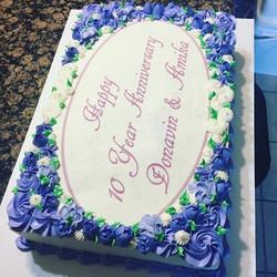 #specialtycakes #anniversary #sheetcakes www.specialtysweetc