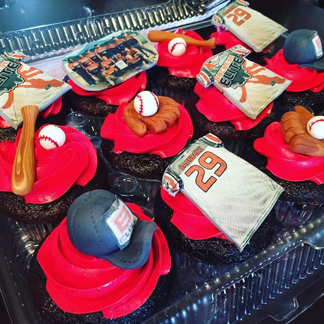 Baseball designed cupcakes. Www.Specialtysweetc