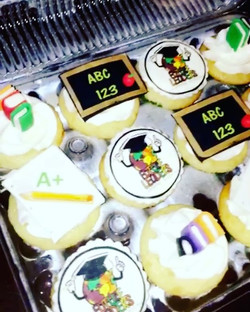 #specialtycupcakes #schoolthemedparty www.specialtysweetc