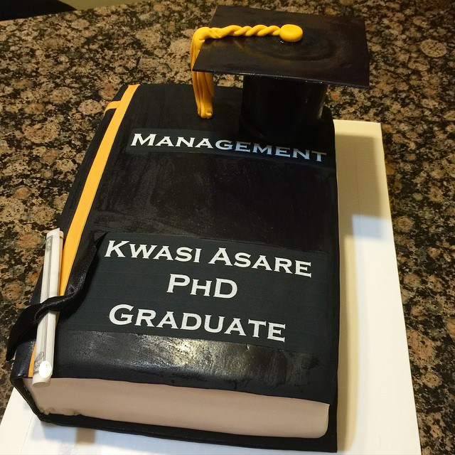 Instagram - 2015 Book with Grad Cap Graduation Cake. Www.Specialtysweetc