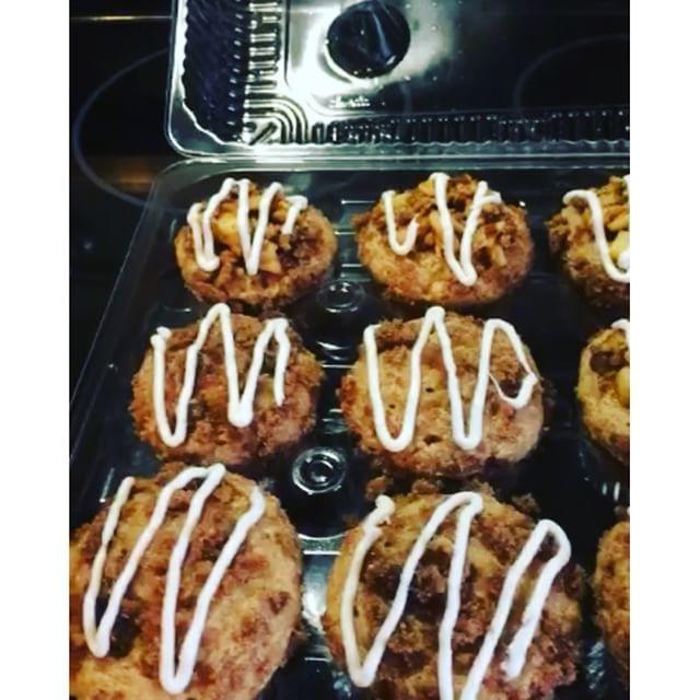 Instagram - Cinnamon apple bourbon streusel cupcakes. Sooo good!!! Www.Specialtysweetc.Com
