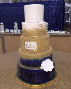 #specialtycakes #5tierweddingcake www