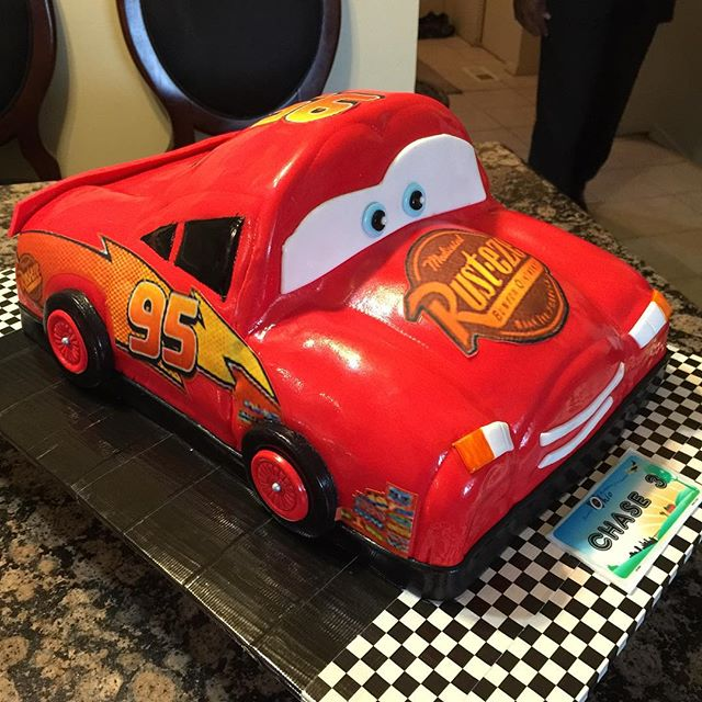Lightning McQueen car cake Disney.  All Cake All Edible Works of Art. www.specialtysweetc