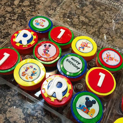 Mickey Mouse Cupcakes. Www.Specialtysweetc