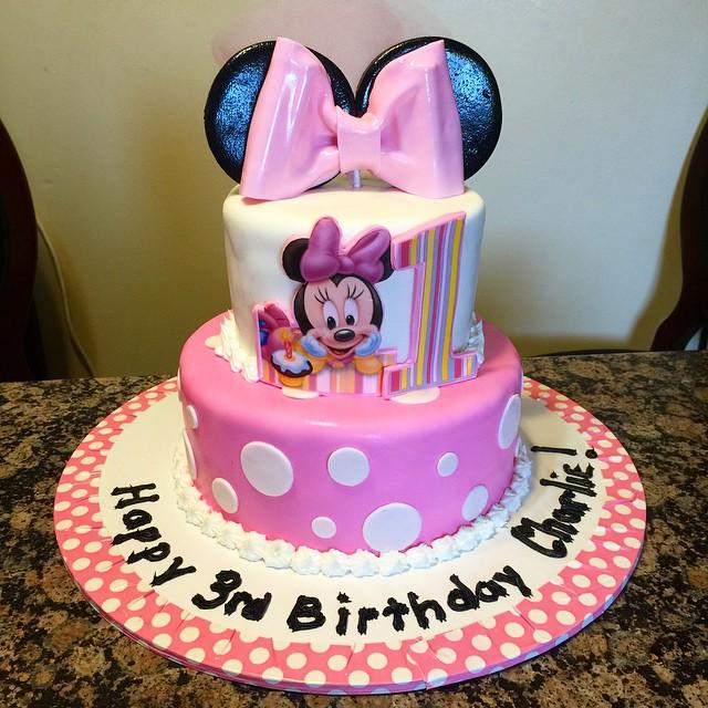 Instagram - Minnie Mouse cake. Www.Specialtysweetc