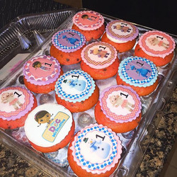 Doc McStuffin Cupcakes. Www.Specialtysweetc