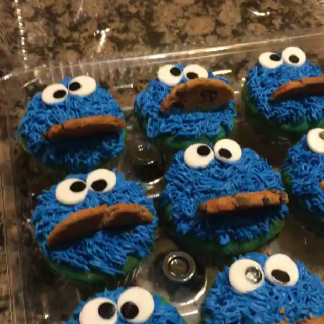 Instagram - Cookie monster cupcakes.  Www.Specialtysweetc