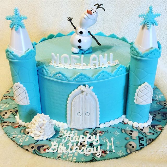 1 tier Frozen Castle with Olaf Cake. Www.Specialtysweetc