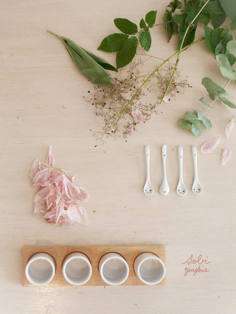 table+tasses.jpg