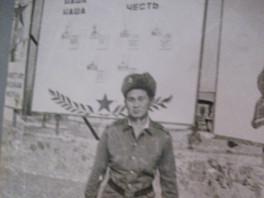 Боронов на плацу1981ноябрь.JPG