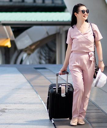 【SleepKinwood 健和醫療 - 睡眠窒息症產品】日本 Koike Jusmine J 時尚觸控式自動型睡眠呼吸機 - 重量只有1.7磅,體積輕巧,適合經常外遊或外出公幹的您。