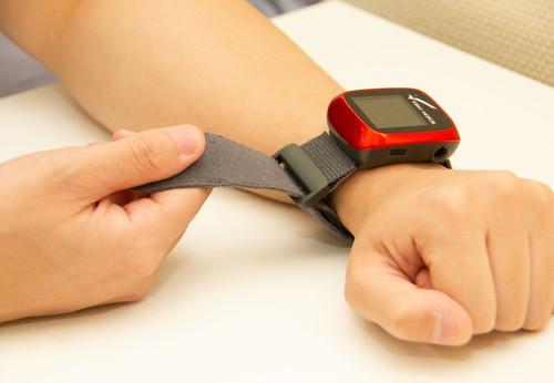 【SleepKinwood 健和醫療 - 呼吸機血氧測試】手錶形設計的血氧監測儀輕功便利