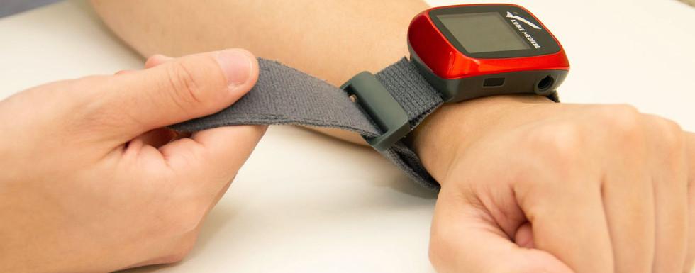 【SleepKinwood 健和醫療 - 家中睡眠窒息症篩查測試】手錶設計的睡眠監測儀小巧輕便