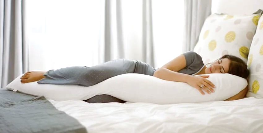 【SleepKinwood 健和醫療 - 止鼻鼾產品】MedCline 側睡治療枕 - 橫跨全身的「J形」設計,給您身體足夠的支撐,讓您能夠舒適地維持理想的側睡姿勢。
