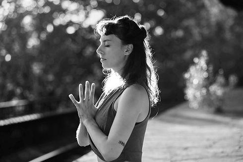 Portrait_Meditation_MelanieKanzler_quer.