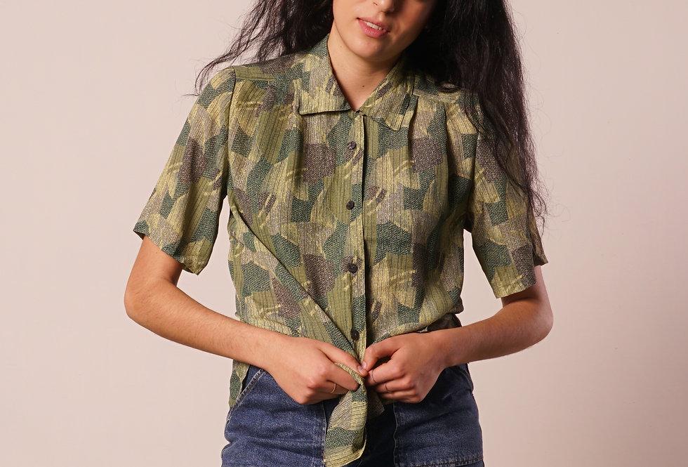 Green patterns short sleeves shirt