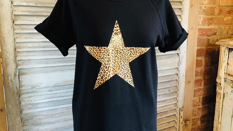 Black leopard star t-shirt
