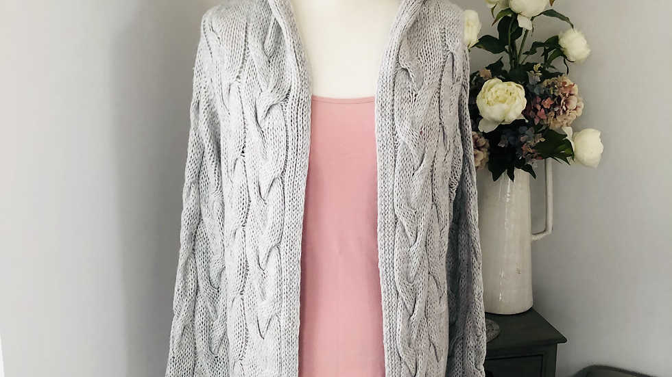 cable knit detail hooded cardigan in grey