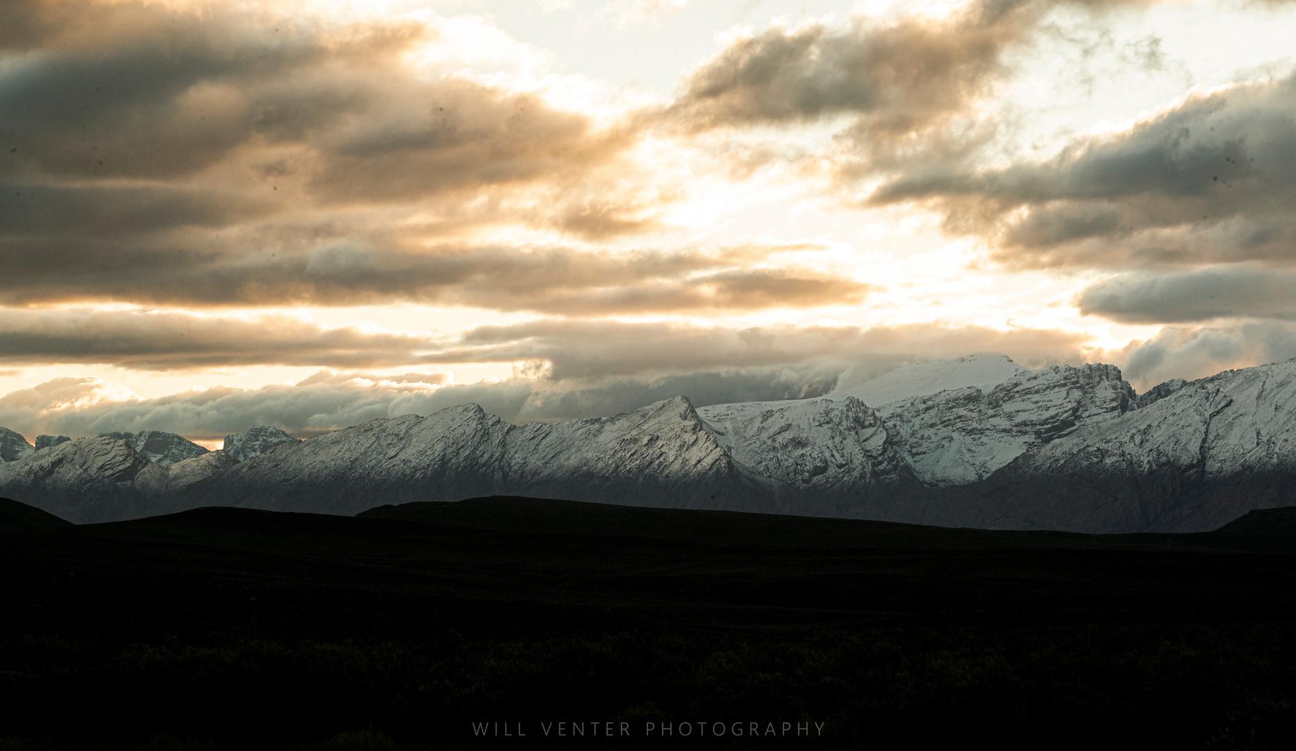 Snow on the Keisie valley mountains