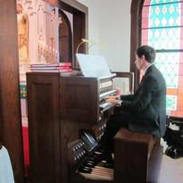 Justin-playing-church-organ.jpg