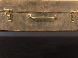 Pozzo's suitcase, Waiting for Godot