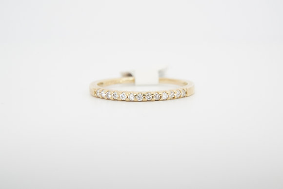 14k .13ctw petite diamond band