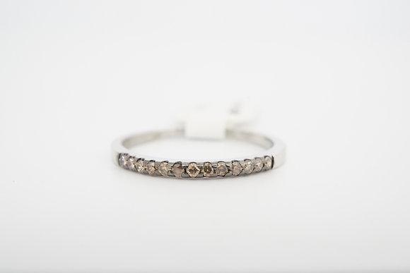 14k .13ctw petite brown diamond band